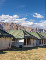 Glamping Market by Mode of Booking and Geography - Forecast and Analysis 2021-2025
